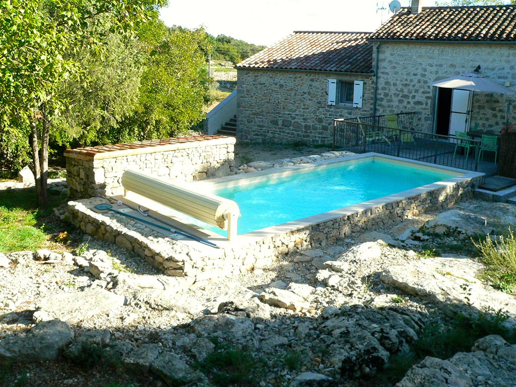 Piscine ext rieure gite danila renzo for Piscines privees